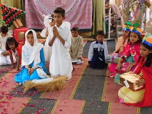 Xmas_play_by_pakistani_children